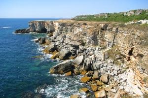 ПЛАЖ МАЛКОТО МОРЕ И ЯЙЛАТА ( брегова ивица между селата Камен бряг и Тюленово)